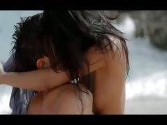 Extremely hot lovers bang on the beach