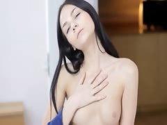 blackhair babe Jasmin dildoing pussy