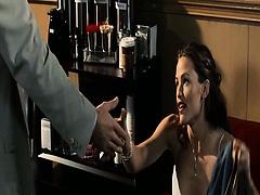 Here is hot clip of Jennifer Garner showing us her hotness