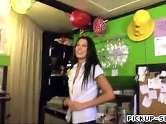 Czech babe Alexa Tomas nailed in her workplace for money