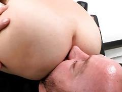 Curvy playgirl organizes cockriding session