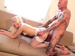 GERMAN 4SOME WITH INTERNAL CUMSHOT SLURPING After Soiree With Nubiles - PornGem
