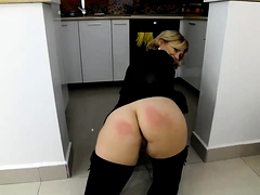 Stacked blonde cougar puts her incredible curves on display