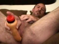 Mature Amateur Eric Beats Off