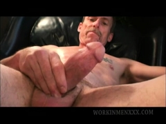 Mature Amateur Scott Jerks Off