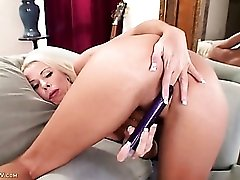 Mature babe with sexy tan lines fucks a toy