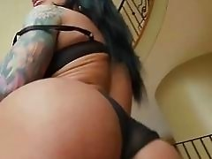 Mason Moore has big tits and a nice round ass